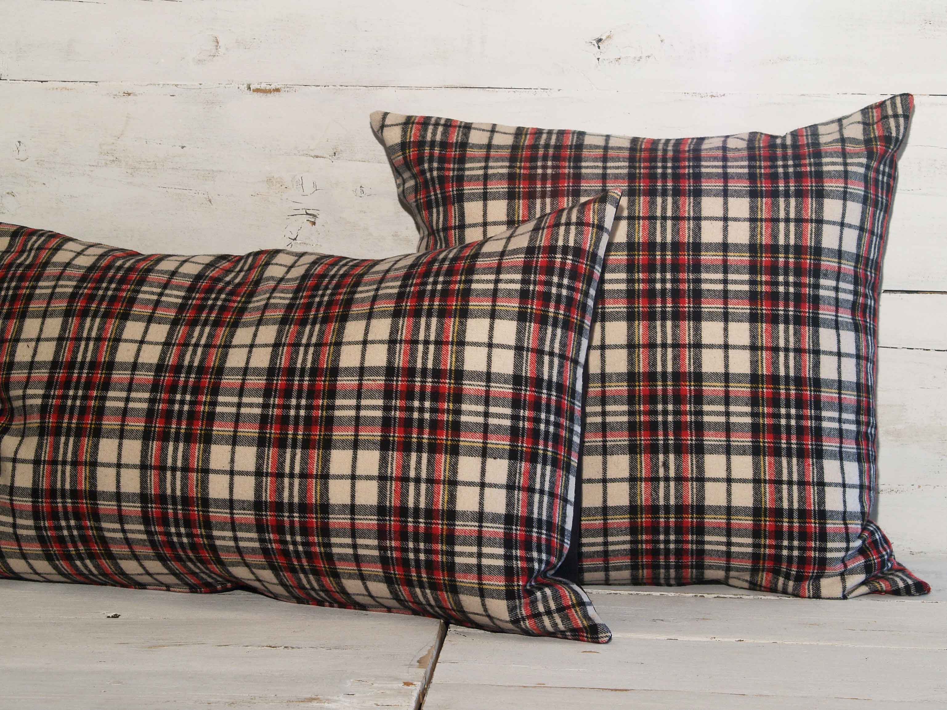 rectangle-plaid-single-pillow-g4